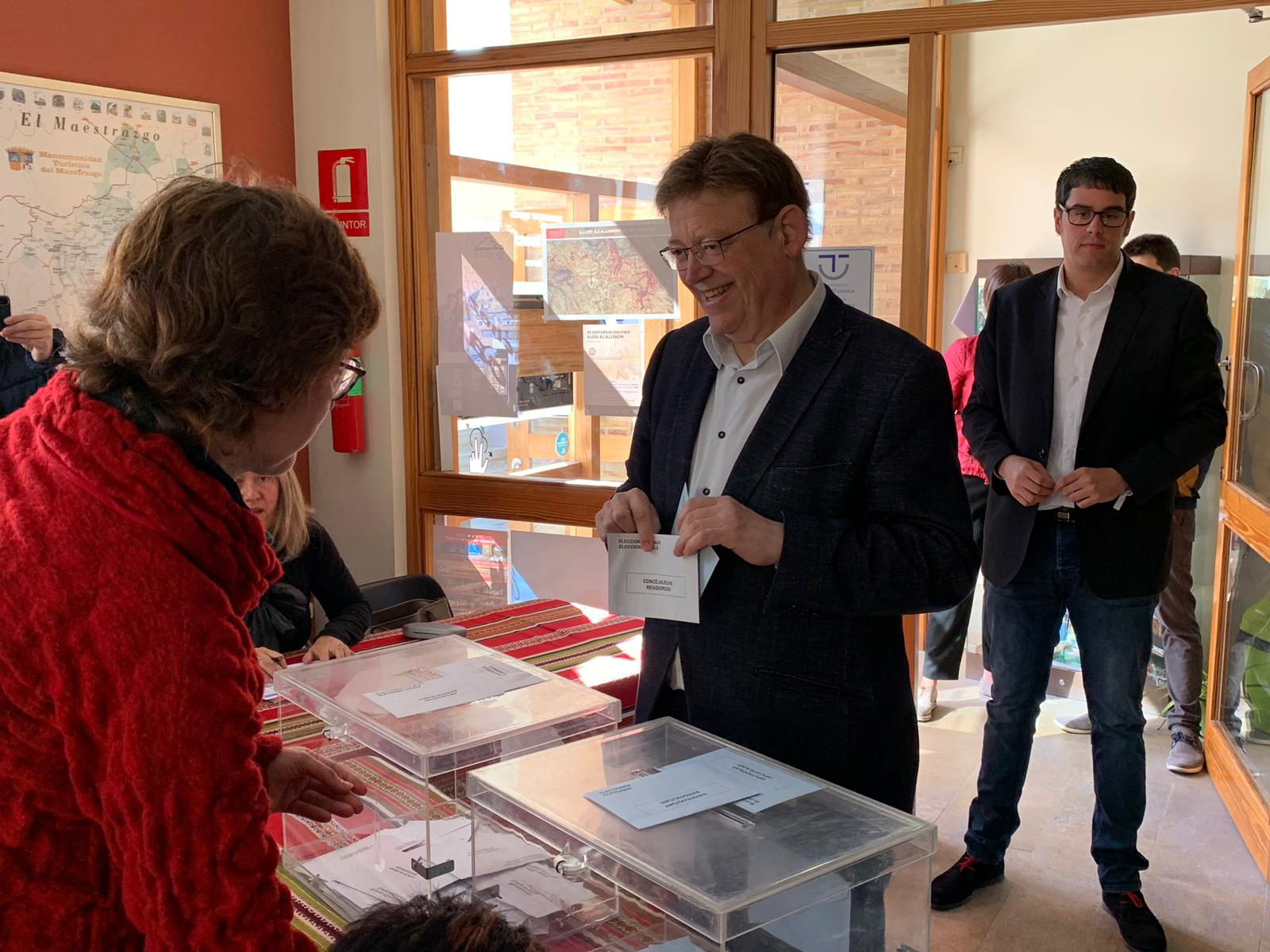 """Ximo Puig: """"Desitgem que els valencians i les valencianes amb la seua legitimitat, amb la seua llibertat i la seua elecció personal aconseguisquen fer avançar cada poble i cada ciutat"""""""