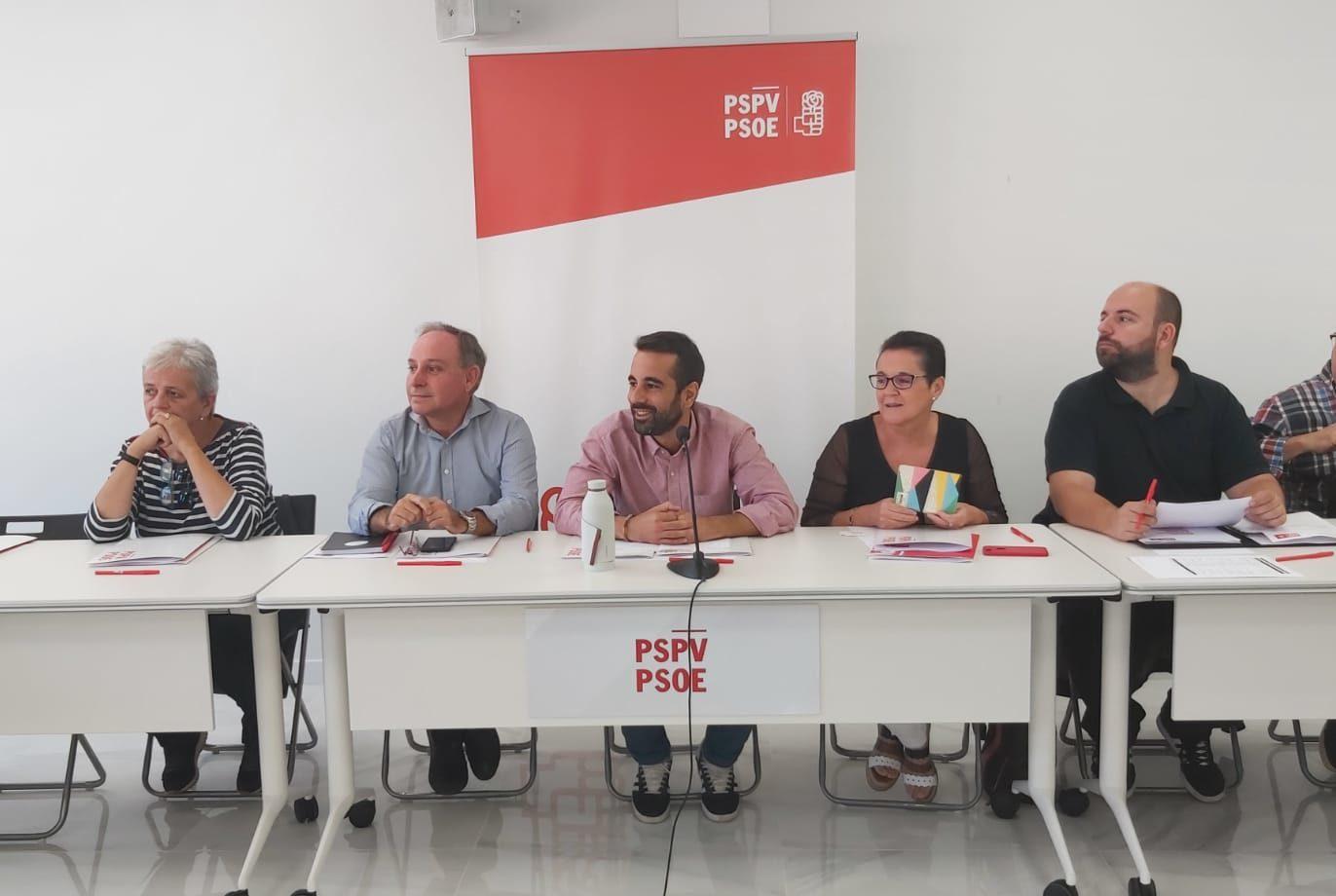 """Muñoz: """"El PSOE va a demostrar una vez más que es el único partido que tiene una respuesta política para todos los problemas de España"""""""