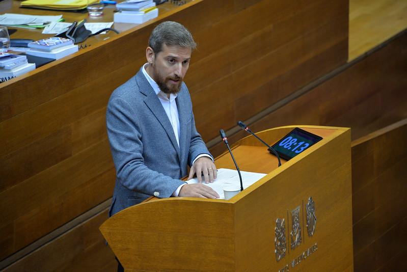 """Pedro Ruiz Castell: """"El Consell de Ximo Puig no permetrà que cap estudiant haja de deixar els seus estudis per motius econòmics"""""""