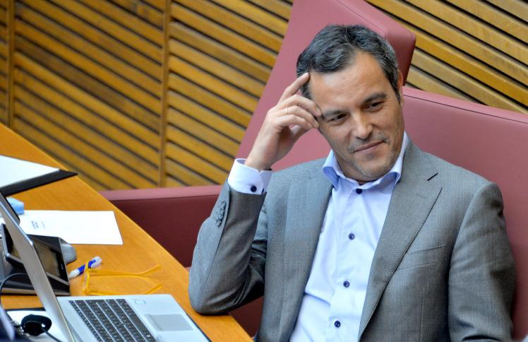 """You are currently viewing Les Corts aproven per unanimitat la proposta del PSPV-PSOE de crear una fira de calçat a Alacant com un """"aparador per a dinamitzar l'economia valenciana"""""""