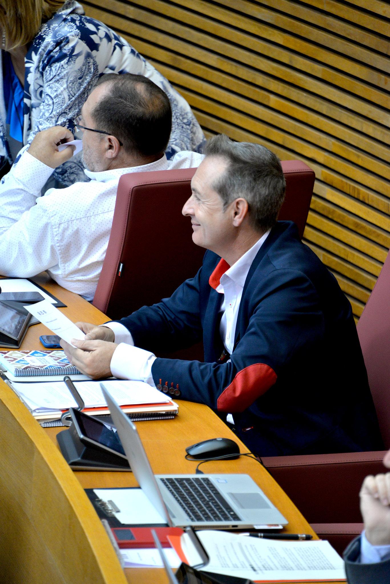 En este momento estás viendo El PSPV-PSOE propone ampliar la red de 'box aparcabicis' en las estaciones de metro, tranvía y Cercanías de la Comunitat Valenciana