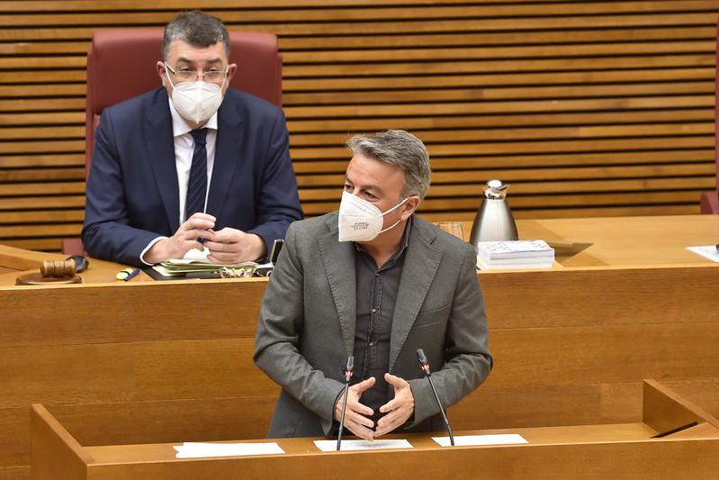 You are currently viewing El PSPV-PSOE expulsa als dos edils socialistes de Teulada-Moraira per contravindre els principis del partit