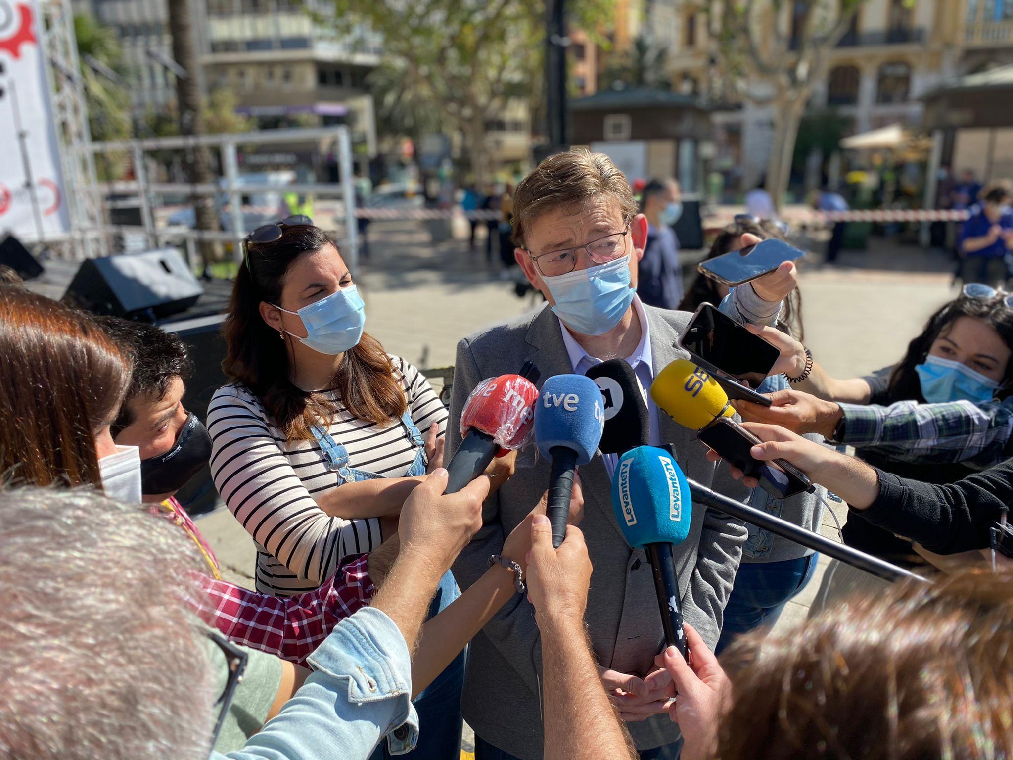 """Ximo Puig destaca """"la voluntad y el compromiso"""" de salir de la crisis sanitaria """"unidos, cohesionados y sin generar más fractura social"""""""