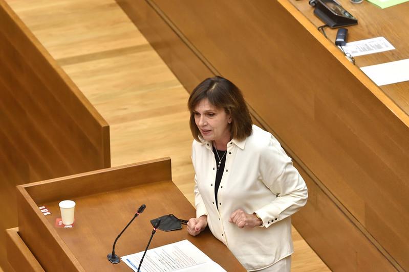"""You are currently viewing Martínez: """"Les privatitzacions del PP i les tisorades constants en la Sanitat pública expliquen la falta de recursos en el departament d'Alcoi"""""""